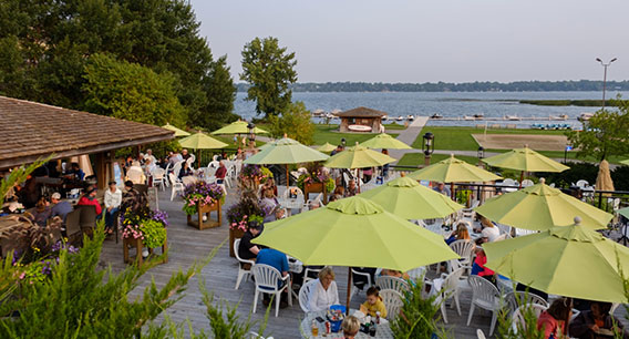 Outdoor & Patio Dining in Alexandria