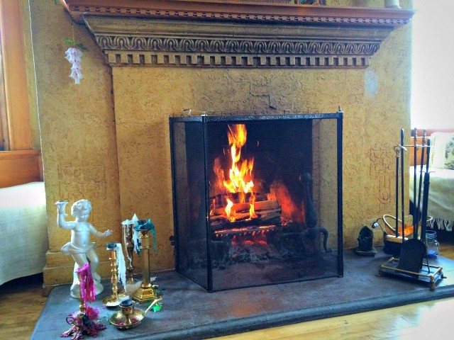 You can smell the comforting aroma of the wood-burning fireplace as you approach the Inn!